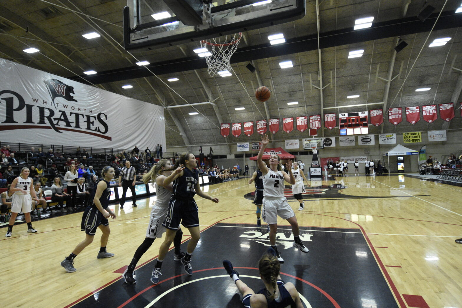 Women's basketball team flies to every away game for the first time in the team's history